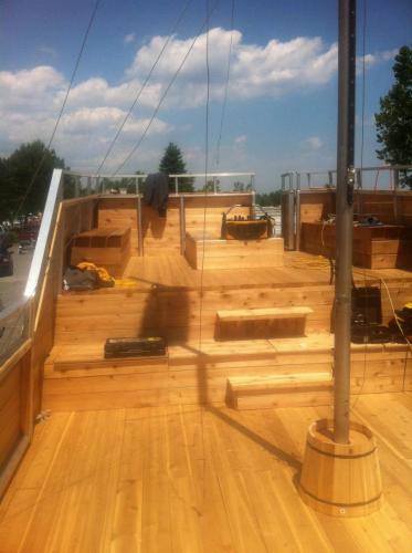 quaerter deck view aft